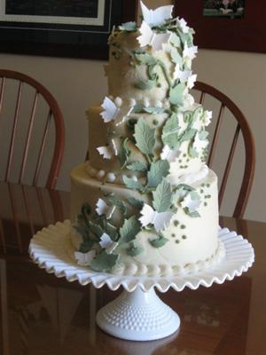 butterflies and leaves wedding cake