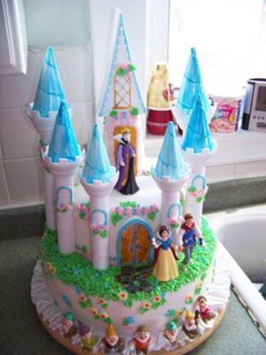 Snow White castle cake