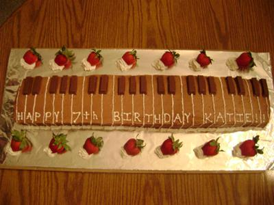 musical instrument cake