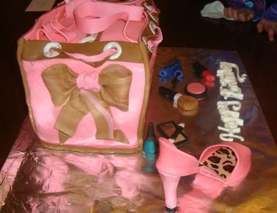 bow detail on purse cake